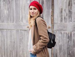 Manon Lecor, 29 ans une femme de son époque: blogueuse, écrivaine, rédactrice web et consultante en réseaux sociaux en freelance.